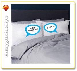 Sevgililere Komik Yastıklar
