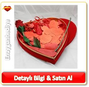 Sevgiliye romantik yılbaşı hediyesi