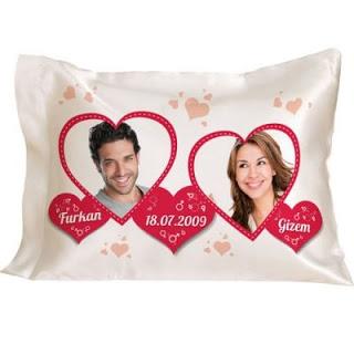 sevgiliye hediye kalpli yastık