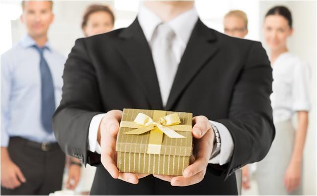 bir patrone ne hediye alınır