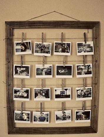 Ahşap Çerçevede Mandala Asılmış Fotoğraf Albümü