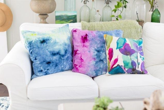 el yapımı çiçek desenli yastıklar