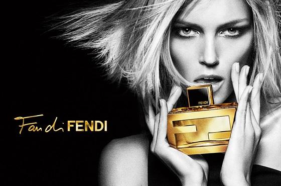kadınlara hediye parfüm